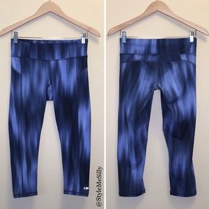 Champion blue DUODRY cropped athletic leggings